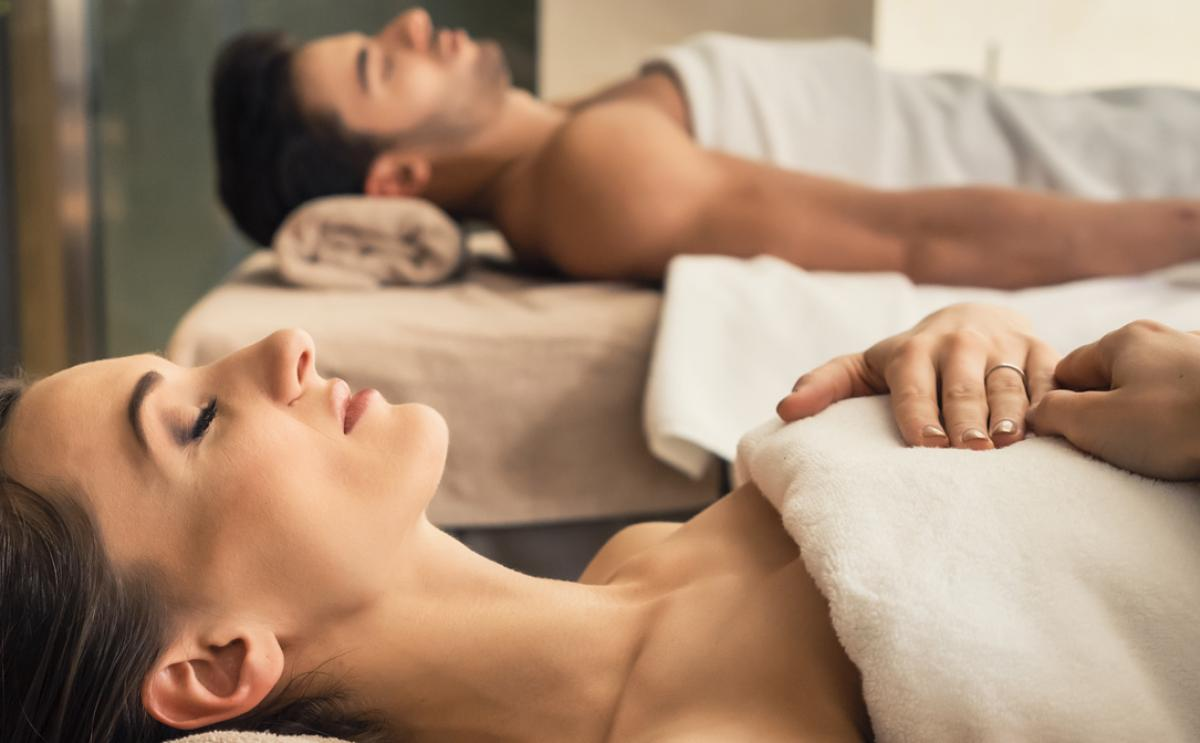 RELAXING BODY MASSAGE FOR 2 PERSONS